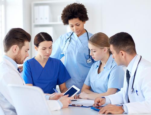 Capacitação em hospitais: cuidar e encantar